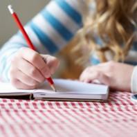 Anotar o que saiu ou gravar o histórico das consultas para ler depois, sempre ajuda a fixar o que foi dito.
